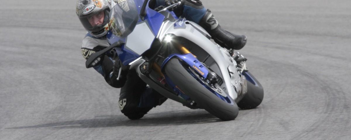 yamaha r1 r1m 2015 test ride pe circuit pe motoare revistă