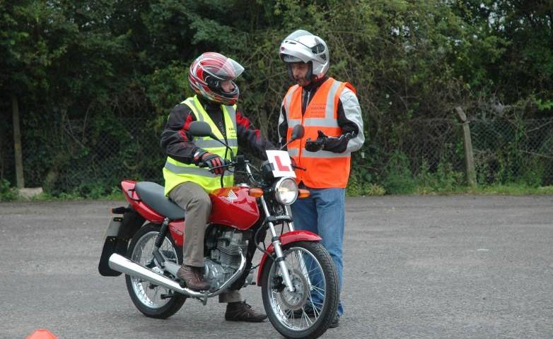 Colile moto orele de preg tire pentru examenul de permis - Immobili categoria a1 ...