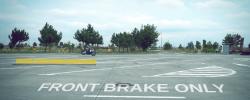 Frânarea de urgență. Față vs. Spate vs. Combinat | Experiment VIDEO