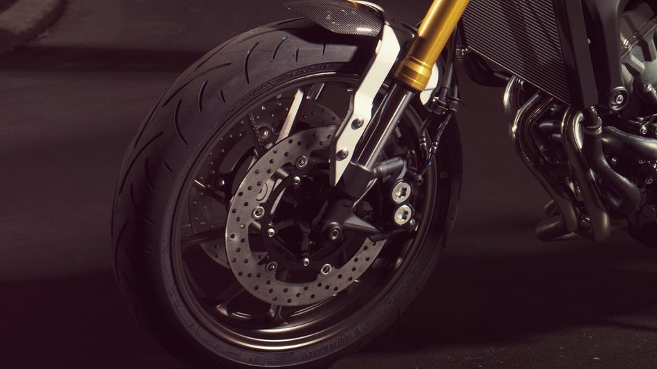 2014-Yamaha-MT09-Street-Tracker-EU-Matt-Grey-Detail-006