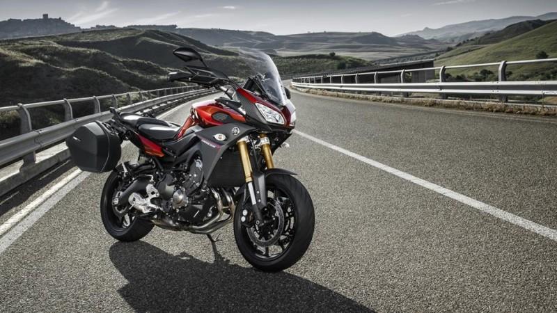 2016-Yamaha-MT09-Tracer-EU-Lava-Red-Static-003