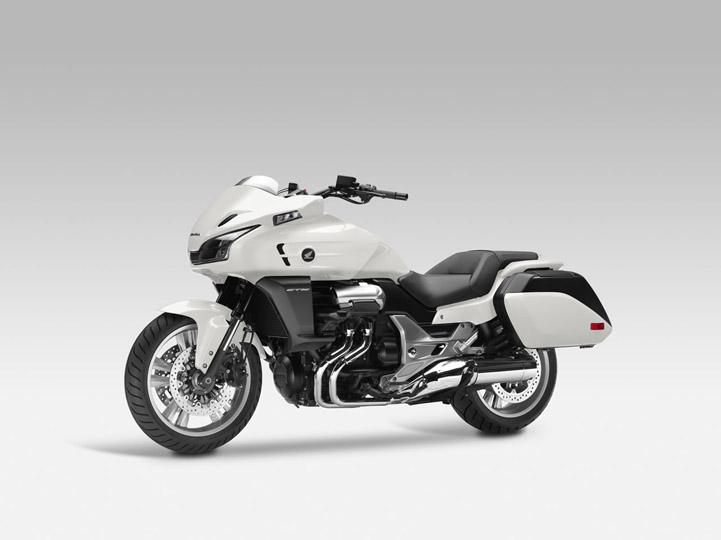 Honda CTX 1300 2014 1