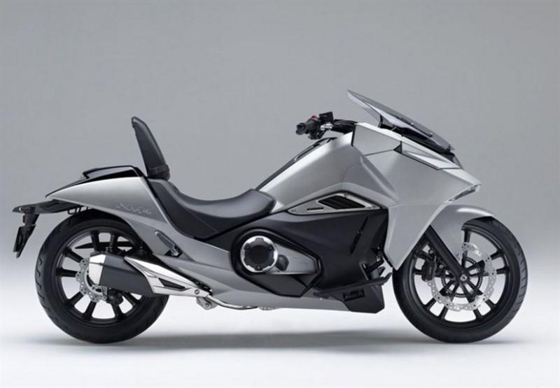 Honda-NM4-Vultus_4