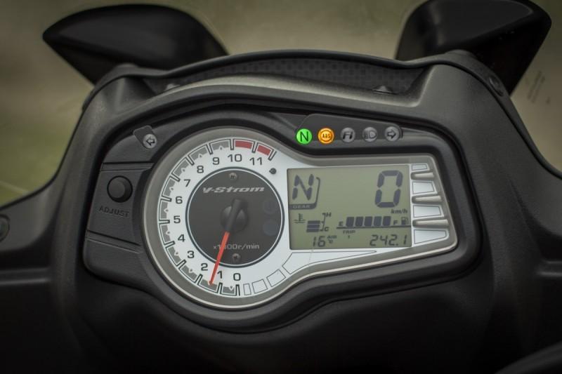 Suzuki V-Strom 650 XT_35