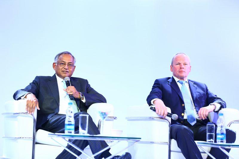 Venu Srinivasan, șeful TVS cu Stefan Schaller, CEO BMW Motorrad