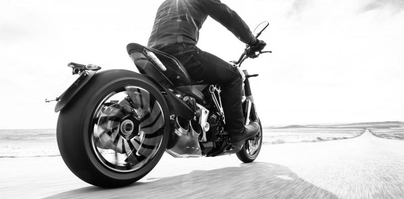 Ducati X Diavel 2016