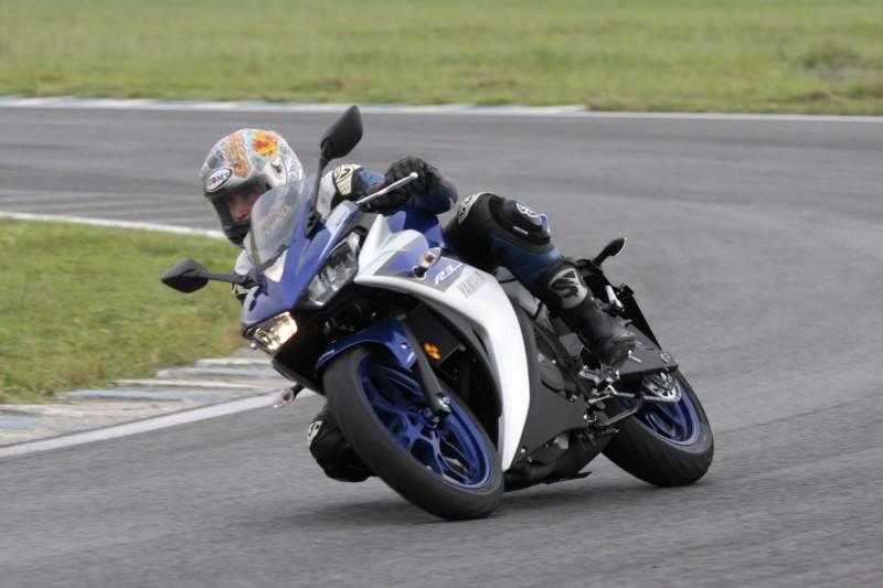 Yamaha R3_1