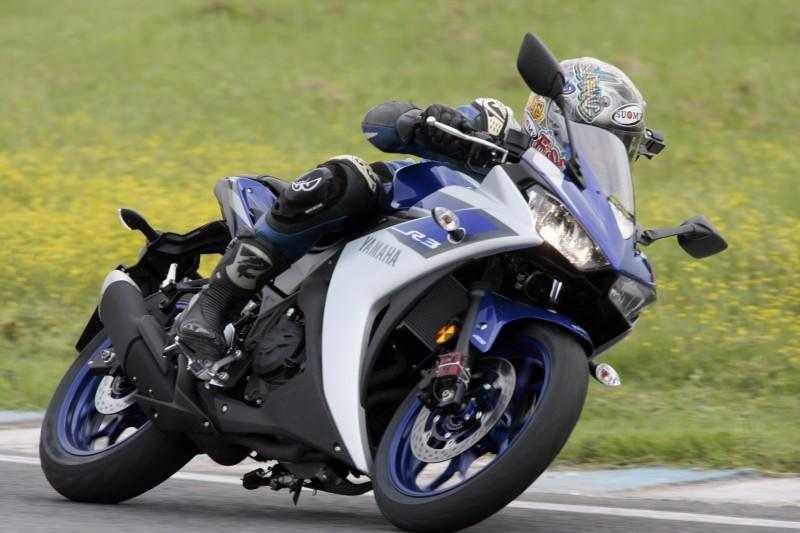 Yamaha R3_3